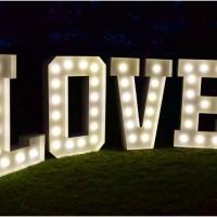 Weselny hit- napis LOVE